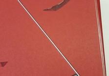 Plat en papier japonais, baguette métallique incrustée, coin métallique argenté.